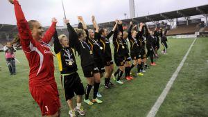 FC Honka firar vinst i finska cupen
