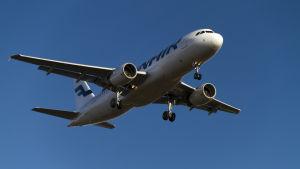 Finnairs Airbus A320 på väg att landa. (Arkivbild)