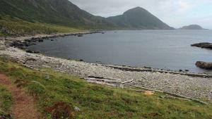 Kivinen ranta Norja