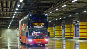 Onnibus.com -linja-auto Kampissa.