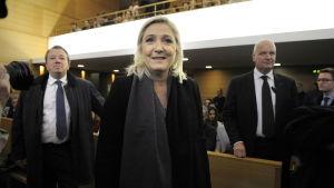 Marine Le Pen inför rätta för hets mot folkgrupp