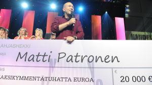 Naurun tasapainon voittaja Matti Patronen.