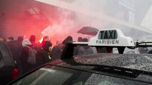 Demonstrerande taxichaufförer i Paris
