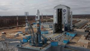 Sojuz-raketen på avskjutningsrampen på rymdbasen Vostotjnyj 27.4.2016