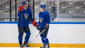 VM-backarna Topi Jaakola och Juuso Hietanen kan få spela i World Cup.