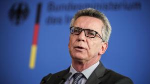 Tyska inrikesministern  Thomas de Maiziere tror på partiellt burkaförbud