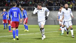 Italien vann över Liechtenstein i VM-kvalet i fotboll.
