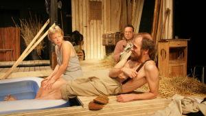 Scen ur föreställningen Onkel Vanja.