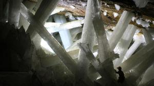 Gipskristaller i grotta.
