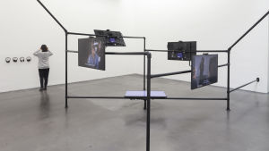 The Common Sense, videoinstallation av Melanie Gilligan