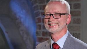professori Dick Harrison