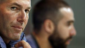 Zinedine Zidane är tränare för Real Madrid.