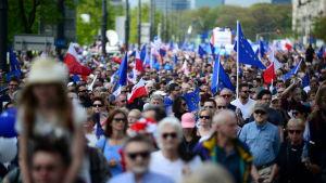 Demonstrationer i protest mot regeringen i Warszawa