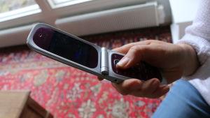 En mobil av gammal ihopvikbar modell.