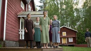 Aino (Pia Simons) står för döden i Lumpänglars väg.