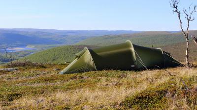 2 mies yhden ihon teltta