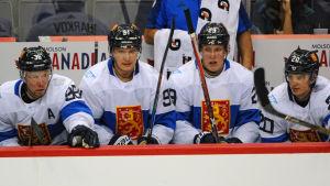 Aleksander Barkov, Patrik Laine och Sebastian Aho.