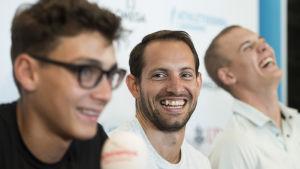 Armand Duplantis, Renaud Lavillenie och Sam Kendricks på presskonferens, sommaren 2017.