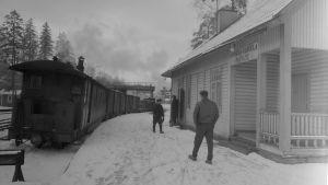 Hyvinkää-KARKKILAN kapearaiderautatie