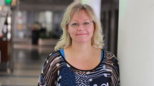 Britt-Helen Tuomela-Holtti föreläser om oro för unga