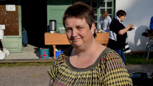 Anette Backman vid Veckoski-Andersböle kvarn.