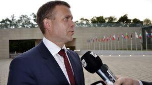 Finansminister Petteri Orpo (Saml) i Luxemburg den 15 juni 2017.
