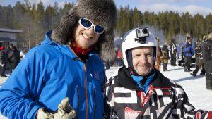 Tom Nylund tillsammans med en renskötare som tävlar och har kamera på hjälmen