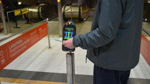 Kortläsare på metrostation