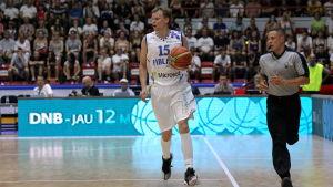 Teemu Rannikko är en finsk basketspelare.