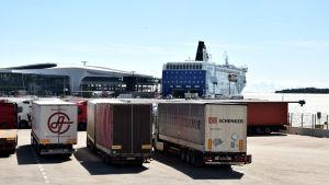 Västra terminalen på Busholmen i Helsingfors.