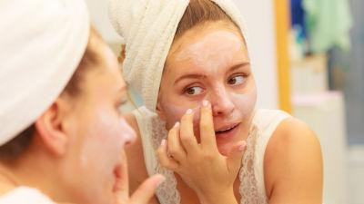ta bort döda hudceller ansikte