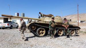 De kurdiska peshmergastyrkorna  i norra Irak väntas spela en avgörande roll i slaget om Mosul. På bilden peshmerga-soldater nära staden Bashiqa den 10 oktober 2016.