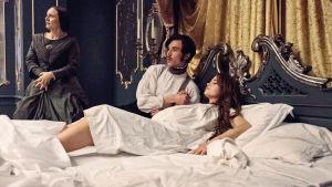 Prinssi Albert ja kuningatar Viktoria vuoteessa.