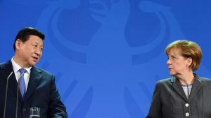 Kinas president Xi Jinping och Tysklands förbundskansler Angela Merkel i Berlin den 28 mars.