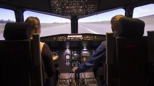 matkustajalentokoneen ohjaamo
