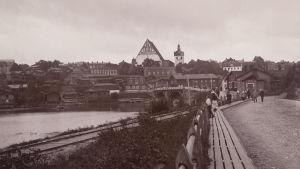 Gamla stan i Borgå med domkyrkan. Bilden är tagen 23.8.1896, klockan 10.30