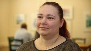 Sarah Wikman på sitt kontor vid Finlands Byar rf