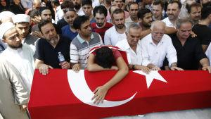 Begravningar efter militärkuppen i turkiet