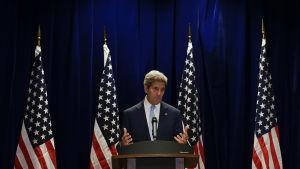 USA:s utrikesminister John Kerry säger att man har nått en uppgörelse efter samtal med sin ryske kollega Sergei Lavrov i Malaysia.