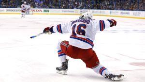Derick Brassard firar hattrick i NHL-slutspelet 2015.