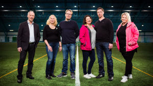 Kuvassa Futisvanhemmat: Heikki Heinonen, Kati & Harri Ojala, Mari & Mikko Niskanen sekä Ringa Salonen