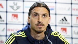 Zlatan berättar inte om sin framtid.