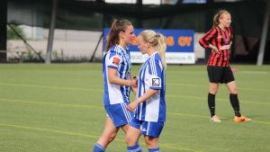 Jennifer Ludemann och Jessi Hietanen.