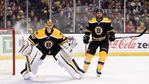 Det kan ännu bli slutspelshockey i vår för Tuukka Rask och hans Boston.