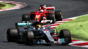 Hamilton före Vettel i Barcelona