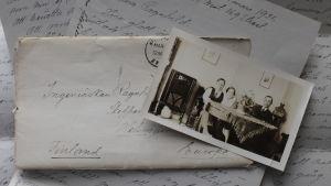 Äldre brev med fotografi