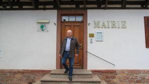 René Stumpf är borgmästare i Roppenheim, Frankrike.