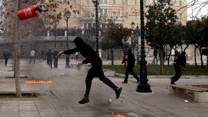 Upplopp i Aten under generalstrejk.