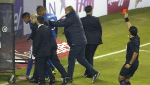 Ögonblicket när Neymars turnering tar slut.