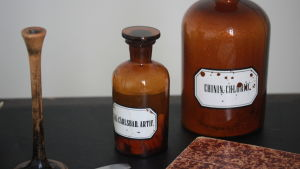 Två av de mediciner som användes på 1870-talet.